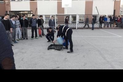 Yenişehir Ertuğrul Gazi Anadolu Lisesi Fotoğrafları 3